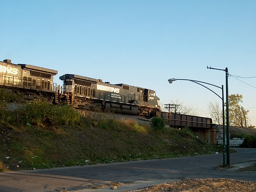 Southbound Norfolk Southern transfer train waiting on a hold order. Chicago Illinois. October 2006. by Eddie from Chicago