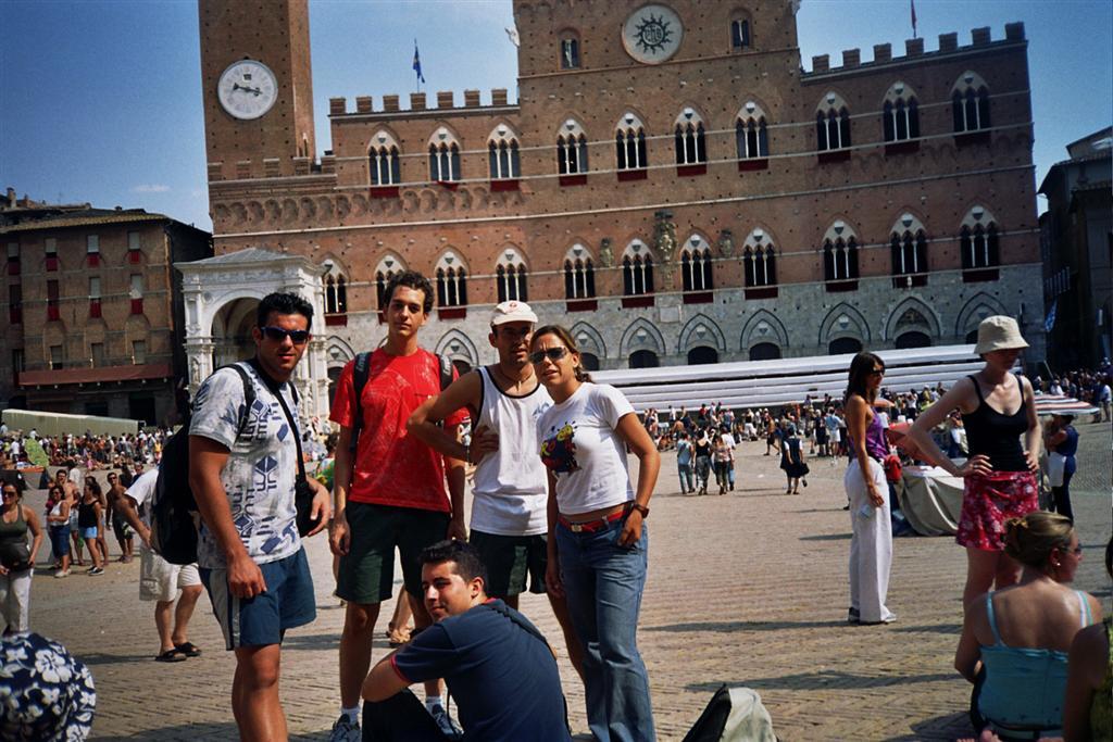 Piazza del Campo y Ayuntamiento