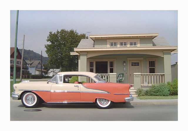 '55 Oldsmobile-with-Bungalow