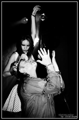 blackandwhite bw music canon newjersey concert women live livemusic explore newbrunswick koncert blackdiamond zene rgo bwemotions canoneos5d eos5d hungarianmusic hungarianclub blackwhiteaward bwartaward szikoraróbert womenexpression