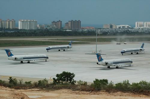 Idled China Southern MD-80s
