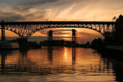 sunset ohio river cleveland bridges cuyahoga supershot friendlychallenges