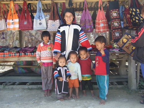 Lahu lady and children 2
