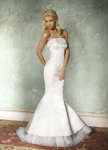 Wedding dress shops in las vegas model for Wedding dresses for rent las vegas