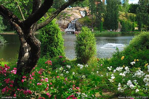 park flowers summer tree water fountain finland geotagged waterfall puu vesi puisto kesä summerday vesiputous kotka kesäpäivä kukkia sapokka nikond200 sapokanvesipuisto sapokkawatergarden suhkulähde