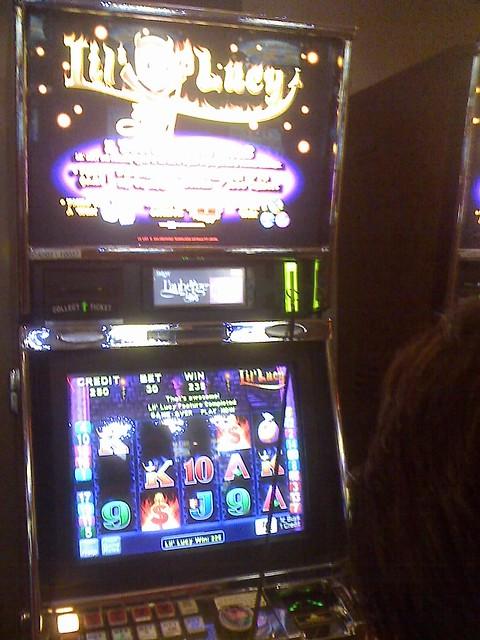 little lucy slot machine
