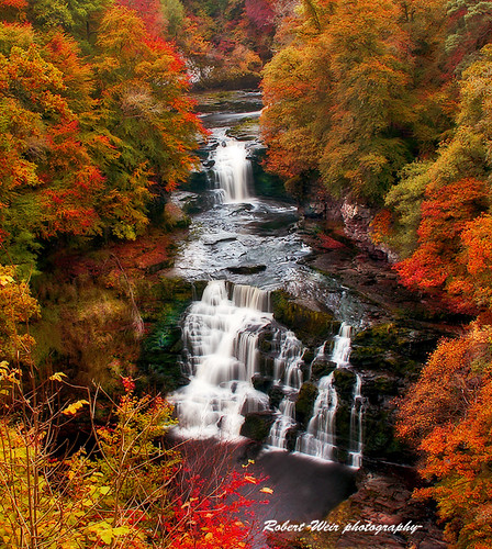 Autumn falls of clyde