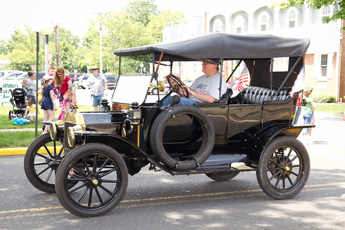 Historic Ford by Joseph Hoetzl