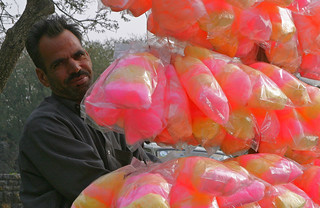 Spun sugar seller