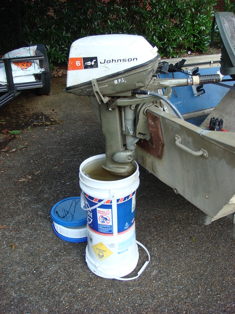 Johnson 6 hp boat motor all boats for Oil to gas ratio for johnson outboard motors