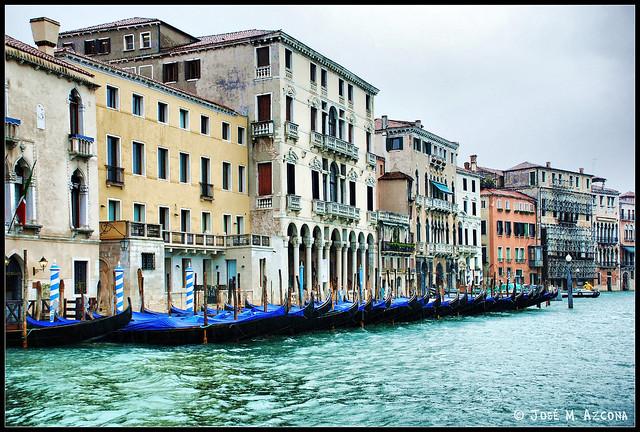 Venecia (Italia). Gran Canal y palacios de la margen izquierda.