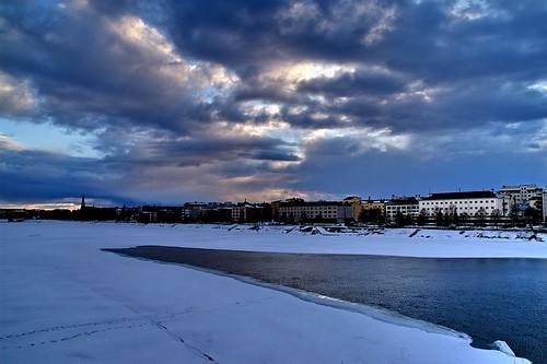 city travel viaje blue winter sunset snow rio clouds suomi finland river geotagged top rovaniemi nieve ciudad nubes invierno puestadesol 20 soe 100club finlandia helluva 50club luciojosémartínezgonzález luciojosemartinezgonzalez holidaysvacanzeurlaub cityskipgroup geo:lat=665025 geo:lon=257436666666667