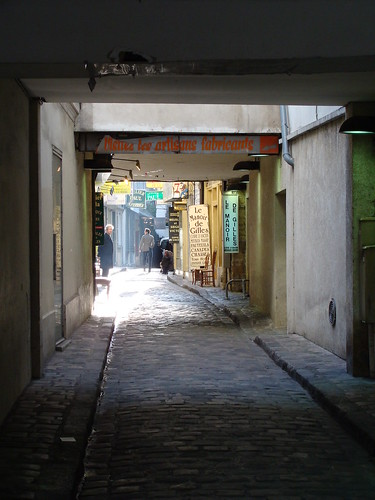 chantier petit ruelle artisanale et pleine de charme a