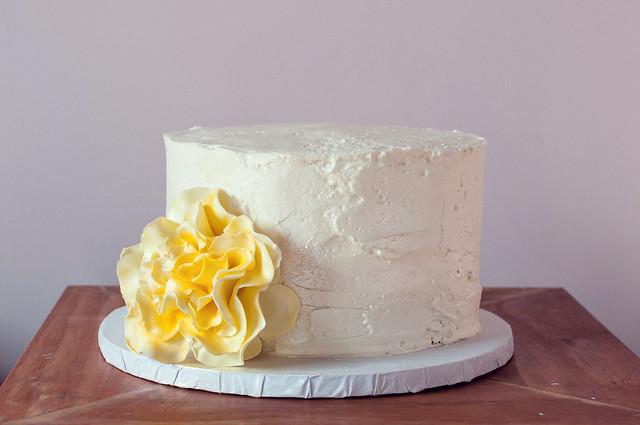 rustic wedding cake with sugar flower