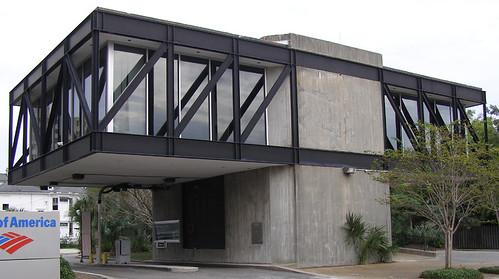 Ouno design empty bank building charleston sc for Modern bank building design