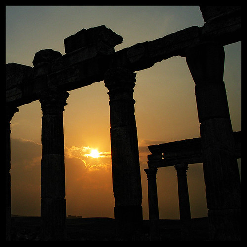 sun setting in Apamea