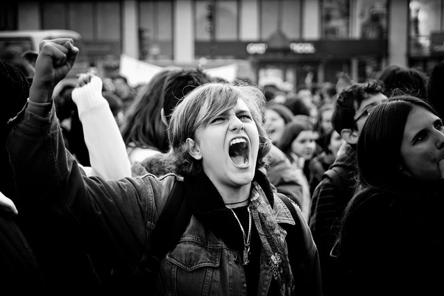Student Demonstration (46) - 27Nov07, Paris (France)