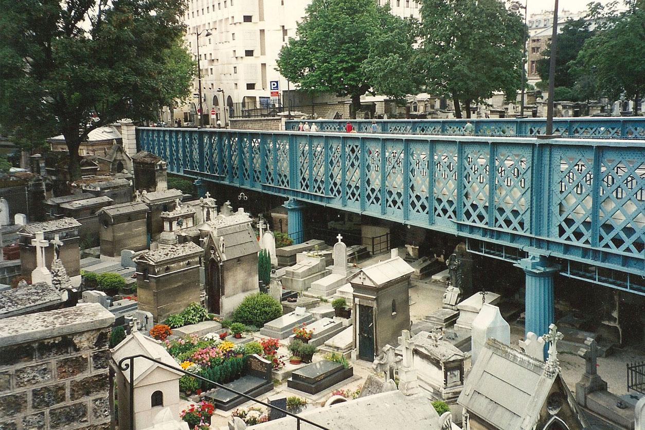 Pont Cimetiere Montmartre | Flickr - Photo Sharing!