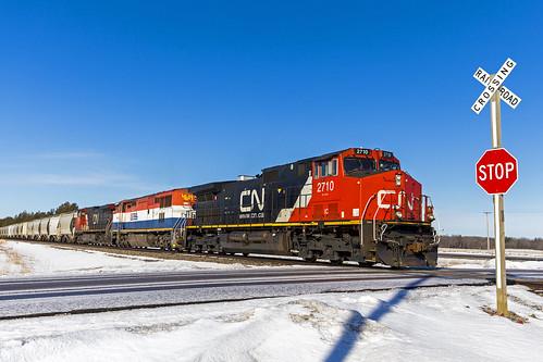 ic2710 ubavcnp train railroad motleymn gec408w canadiannational bcol4619 bcol gec408m cn2529 gec449w wssmotley bnsfbrainerdsub brainerdsub codeblue emptysandtrain
