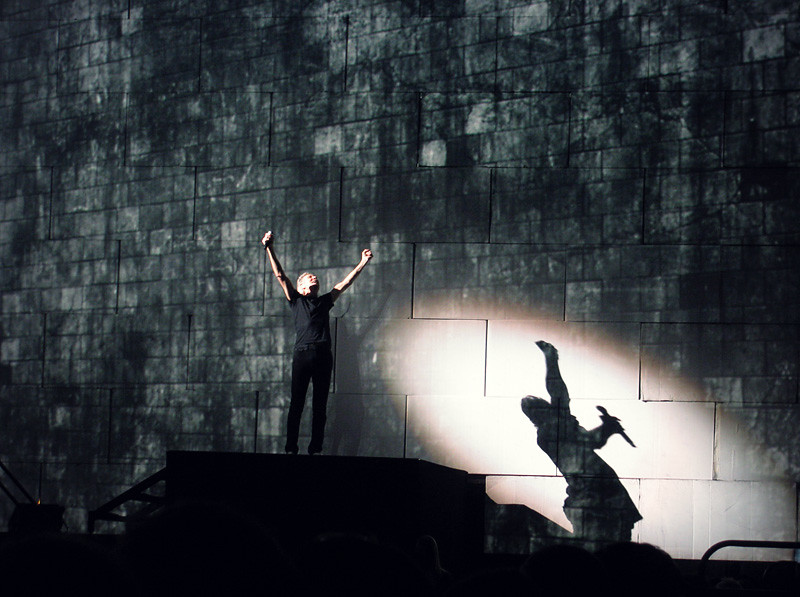 Roger Waters The Wall - 11-06-2011