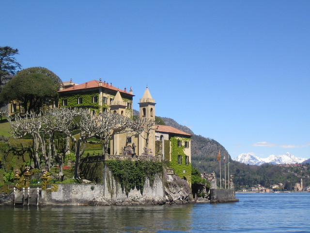 villa on como lake 002