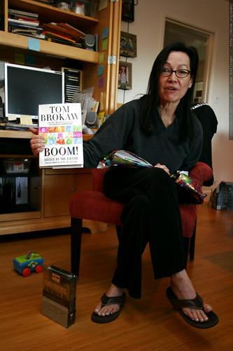 grandma neeta and a new book    MG 7657