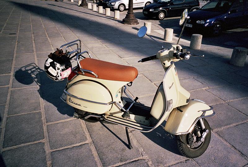prodej motocyklů a skútrů