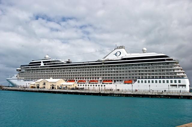 Oceania Marina   Marina, docked in Hamilton, Bermuda.   By: CruisAir ...