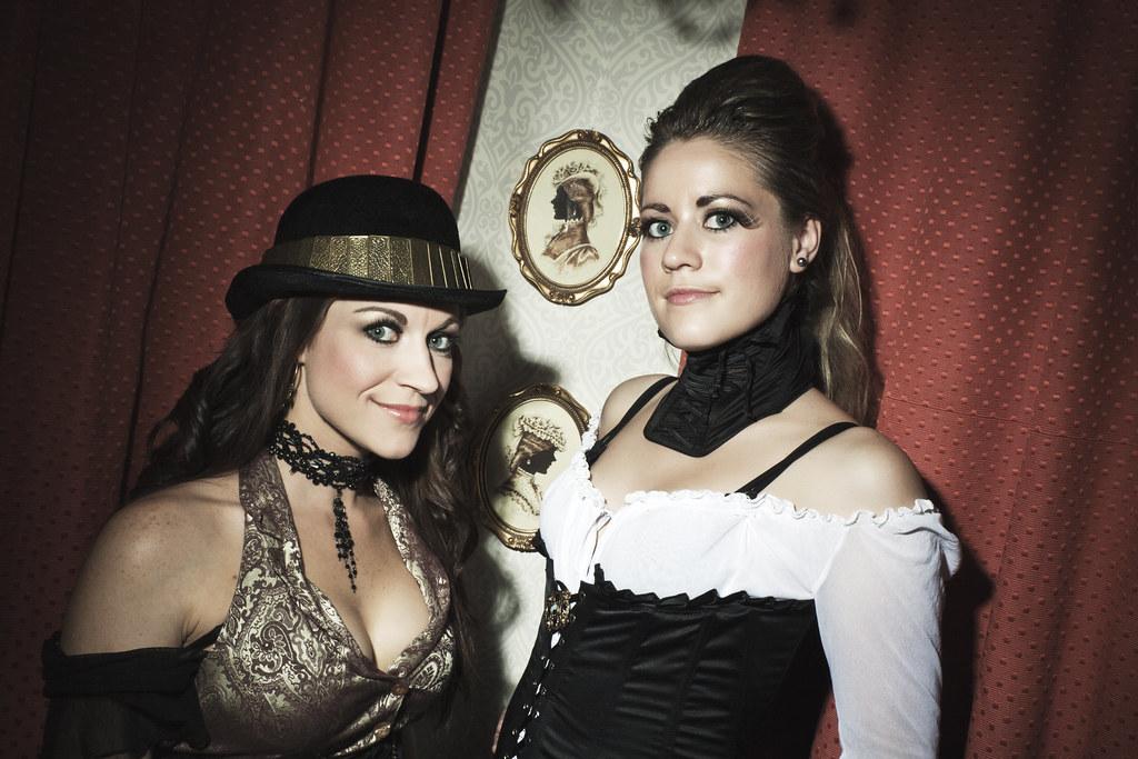 Sexy Steampunk Girls : Tink & Floz : 29