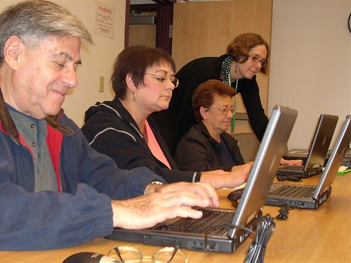 Patrons learn to use computers @ their library!