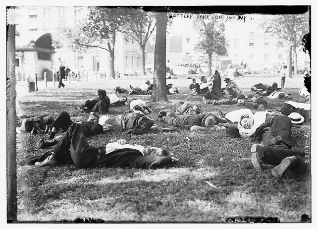Battery Park on hot day (LOC)