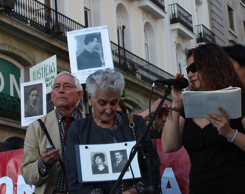 Porteta de familiares y víctimas del franquismo