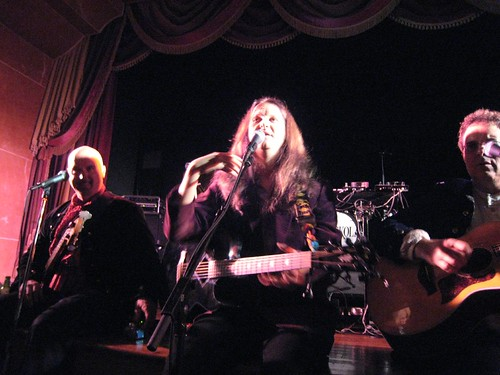 rockola, bands, dancing, singing, microphon… IMG_0817