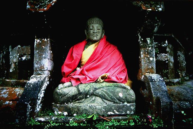 Buddha Shrine@Lake Bratan - Indonesia