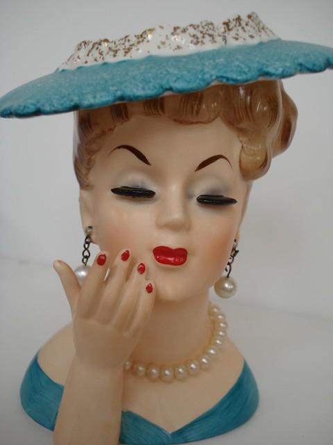 Vintage Lady Head 32