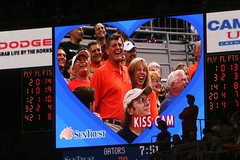 Gator Basketball Kiss Cam