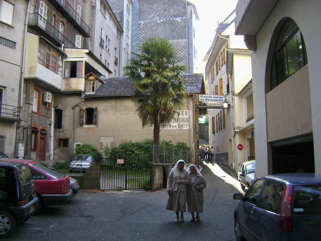 Pilgrimage to lourdes page 77 skyscrapercity - Casa de lourdes ...