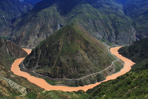 Gabriele Battaglia's photo of the first curve of the Yangtze river.