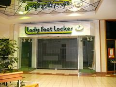 Overland Park, KS Metcalf South Shopping Center (a dead mall) Lady Foot Locker