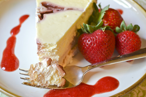 strawberry swirl cheesecake with strawberry puree full