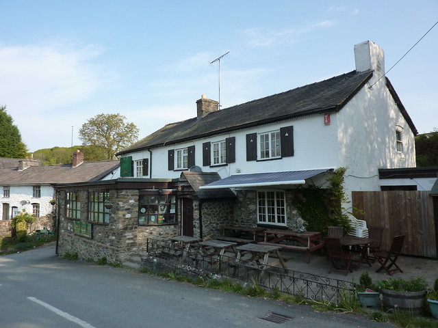 Royal Oak, Pontrobert