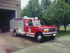luxury vehicle(0.0), ambulance(0.0), automobile(1.0), automotive exterior(1.0), vehicle(1.0), truck(1.0), emergency vehicle(1.0), emergency(1.0), fire apparatus(1.0), emergency service(1.0), motor vehicle(1.0),