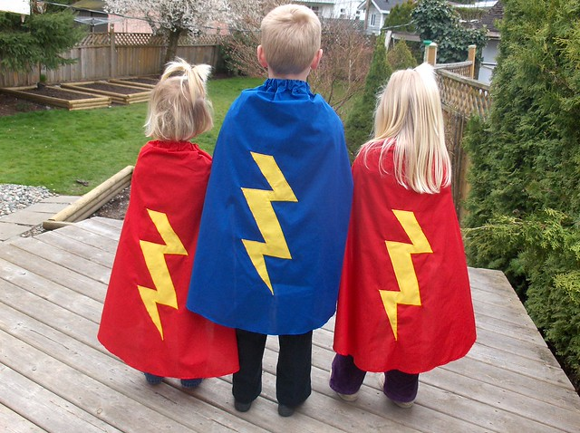 Filth Wizardry: Home made superhero fleece poncho-cape.