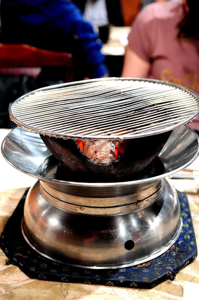 秘苑燒肉-炭火爐 (和歌山紀州備長炭使用!)