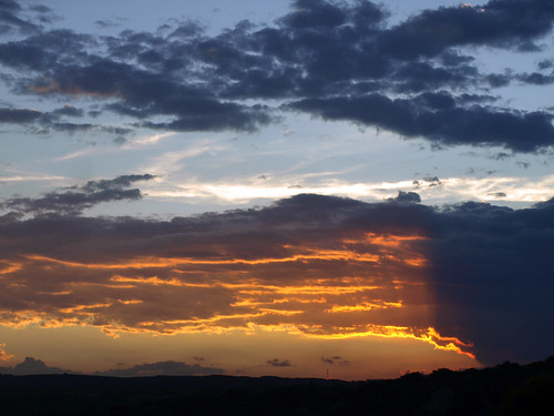 africa sunset sky sun sol public clouds landscape southafrica geotagged soleil tramonto nuvole sonnenuntergang © himmel olympus ciel cielo afrika puestadesol sole nuages puesta sonne zuiko paesaggio rsa allrightsreserved krugernationalpark coucherdesoleil krugerpark kruger 2007 afrique sudafrica áfrica paulkruger zd tancredi ©allrightsreserved krugernp 1442mm december2007 26december2007 parcokruger e410 olympuse410 carlotancredi georeferenziata geo:lat=2425918847110403 geo:lon=3164685635379965