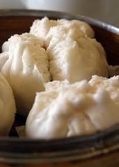 nikuman, siopao, cha siu bao, baozi, food, dish, dumpling, dessert, cuisine,