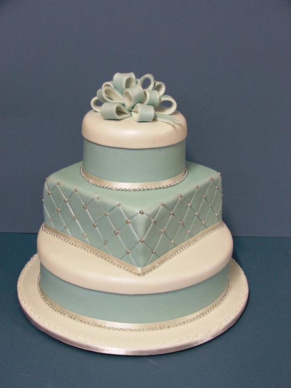 Elaborate Three Tier Wedding Cakes Toowoomba Wedding