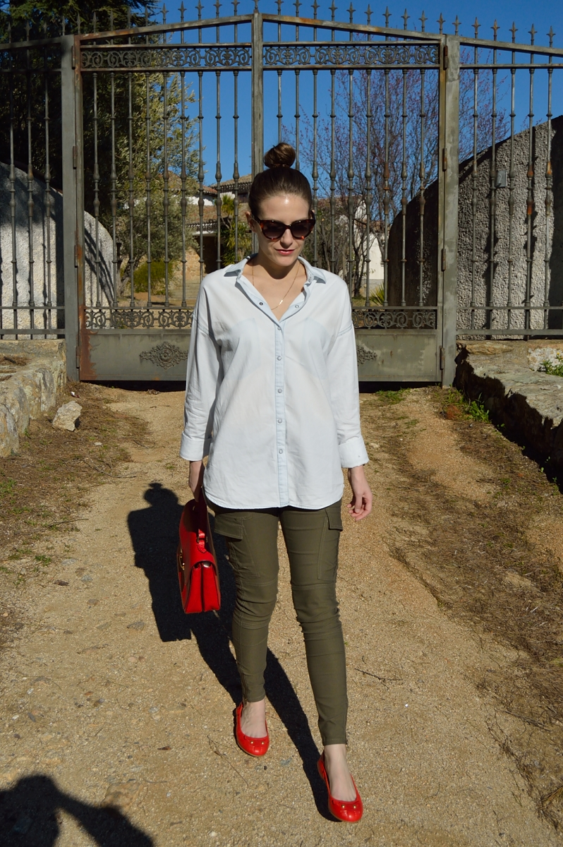 lara-vazquez-madlula-blog-red-details-trends-marc-jacobs-flats