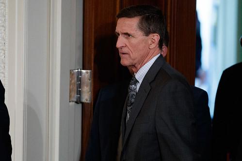 """""""Trump sabía de las conversaciones de Flynn con Rusia"""", admite la Casa Blanca"""