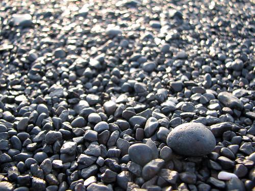 ocean black macro beach stone geotagged is iceland sand peninsula ísland snæfellsnes snaefellsnes canons3 lýðveldiðísland djupalonsandur